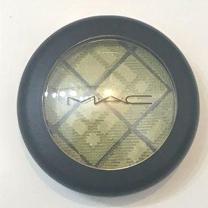 MAC| (Enviably fun ) Eyeshadow